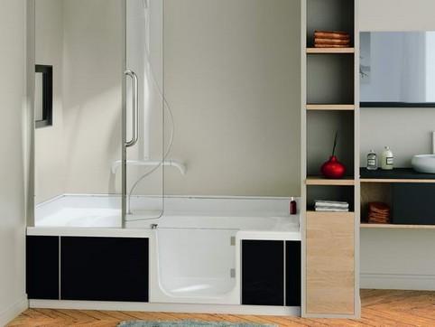 altersgerechtes bad duschbadewanne badewanne mit t r. Black Bedroom Furniture Sets. Home Design Ideas